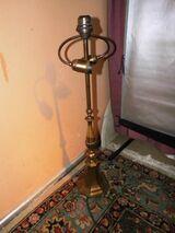 Antike Tischlampe aus Messing / Jugendstil Lampe mit achteckigem Fuß um 1910