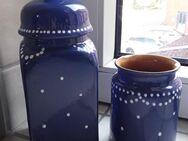 blau-weiß gepunktete Keramikvase und Bonboniere - Eckernförde