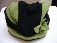 Mütze / Hut mit passendem Schal, Schalkragen, grün-schwarz - Hamburg