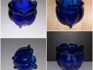 kleine Kobaltblaue Formvase Glastulpe mit 3 Füßen aus Spaien Glasvase - Nürnberg