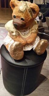 Teddy Bärin aus Pappmaschee hübsche Deko für das Kinderzimmer
