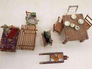 Tische Stühle Sofa alte handgemachte Puppen Puppenstube und Zubehör - Kaufbeuren