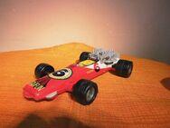DDR Spielzeug - Auto mit Friktionsmotor, Rennwagen ca.1975 / zum Wiederaufbau - Zeuthen