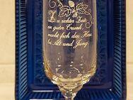 Spruch Glas Tulpe Zu rechter Zeit ein guter Trunk, macht froh das Herz bei Alt und Jung. - Nürnberg