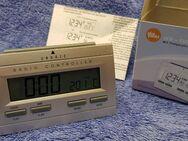 LCD Funkwecker Uhr silber OV NEU - Leverkusen