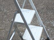 Weißer 2er Tritt, kleine Leiter - Bad Belzig