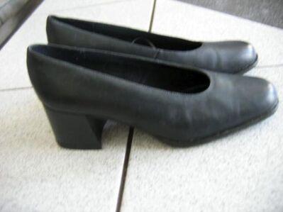 Damenschuhe Echtleder CANDA Gr. 38 NEU nie getragen - Celle