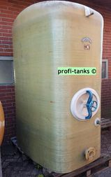 P57 gebrauchter 3.000 L Polyestertank GFK-Tank Staffelstein-Tank oberirdisch stehend Wassertank Regenauffangtank Flüssigfuttertank Molketank Melassetank Rapsöltank