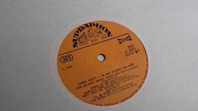 Schallplatte Karel Gott in mir klingt ein Lied - Berlin Lichtenberg