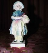 Antike Porzellan Figur KATZHÜTTE Mädchen mit Korb / Hertwig & Co / Sammler