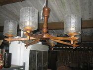 Deckenlampe 6armig aus Holz mit Glaskörpern - Bad Belzig Zentrum