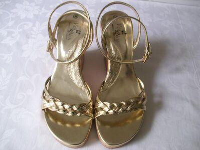 Damenschuhe Pumps Gold Absatz Schuhe in Nordrhein Westfalen