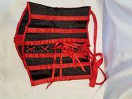 Korsage,Größe M von Chilirose in rot/schwarz, gepflegt