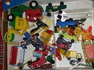 Kiste alter Spielzeugautos Plastik alles zum Basteln Teileträger! - Berlin Charlottenburg-Wilmersdorf
