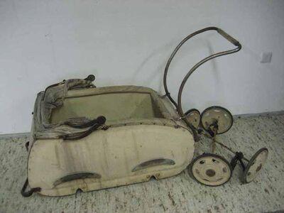 Antiker Kinderwagen zum Aufarbeiten / Rarität ca.1950 - Zeuthen