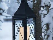 LED Grabschmuck Laterne schwarz, LED Grablaterne Metall mit LED Kerze. - Uslar