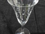 Vintage, 3 einzelne Gläser mit Schliff: Sekt, Wein, Likör, Retro je 2,- - Flensburg