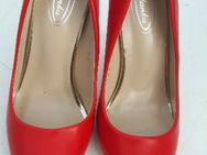 Pumps/High Heels mit 10 cm Absatz, rot, Gr. 38 - Berlin