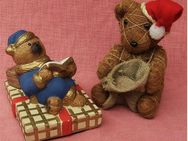 lesender Bär aus Keramik - sitzender Bär aus Natur-Sisal - Groß Gerau