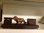 Schreibtischgarnitur-Holz-geschnitzt-mit 2 unbenutzten Tintenfässern in Porzellan - Mahlberg