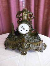 Antike Kaminuhr um 1900 aus Messingblech / Uhr als Restaurationsobjekt