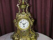 Schöne, antike Kaminuhr um 1900 / antike Messinguhr / Uhr im Barockstil - Zeuthen