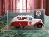 Spritzguss Modellauto Texaco / Modellauto Dodge Airflow 1937 / Texaco showcase