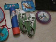 Spielsachen, Winni Puh-Wanduhr, Wasserpistole etc. - Bibertal