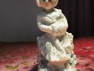 Antike Bisquit Porzellan Figuren-Vase / Mädchen mit Muff / Vase farbig bemalt - Zeuthen