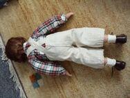 Porzellan Puppenpaar  mit selbstgebauter Bank - Kassel Brasselsberg