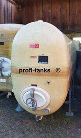 P41 gebrauchter 3000L GFK-Tank Rotband Polyestertank liegend auf 2 Stahlsockeln Wassertank Molketank