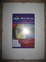 Viele neuwertige, rahmenlose Bilderhalter/Bilderrahmen: 24 x 30 cm: 1,5 € pro Stück; 18 x 24 cm; 1 € pro Stück