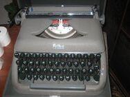 antike Schreibmaschine Erika mit Koffer - Bad Belzig