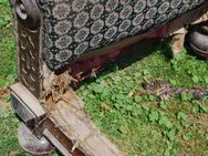Gründerzeit Sofa in Nussbaum / Couch mit Holzgestell zum Restaurieren - Zeuthen