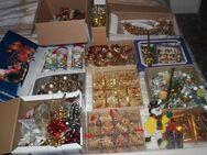 Advents-Schmuck, Lichterketten, Christbaumkugeln, Strohsterne, Weihnachts-Dekorationen kistenweise - Bad Belzig