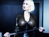Mistress Anda - dominant, erfahren & bildhübsch - Berlin