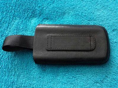 Bugatti Leder Handytasche für kleinere Handys. Maße siehe Fotos - Kassel Brasselsberg