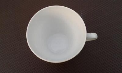 Eine alte Porzellan Tasse, gestempelt, Mitterteich - Kassel Brasselsberg