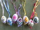 7 handbemalte Ostereier mit  Blumenmotiv