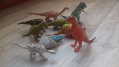 62 Teile Dinosaurier unterschiedlich groß, viele große dabei - Fulda Zentrum