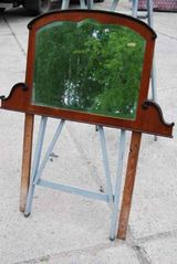 Jugendstil Spiegeloberteil für eine Kommoden / Spiegelrahmen in Nussbaum