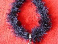Halsband oder Kette mit aussergewöhnlichem Anhänger - Immenhausen