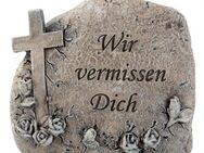 Wir vermissen Dich Sprüche, DekoGrabstein, Deko Stein Gravur Inschrift, verziert, Kreuz, Rosenranke. - Uslar Zentrum