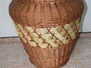 geflochtener brauner Wäschekorb mit Deckel - Bad Belzig Zentrum