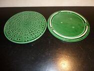 2 Vorlagenteller Keramik grün - Frankfurt (Main)