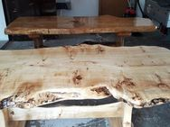 Rustikale Baumtische mit Versiegelung - Achern