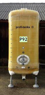 P92 gebrauchter 7.000 L Polyestertank GFK-Tank Juno-Tank Lagerbehälter Wassertank Regenauffangtank Flüssigfuttertank Melassetank Molketank Gülletank