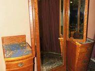 Jugendstil Schlafzimmerset / zwei Nachtschränke und großer Spiegel um 1910 - Zeuthen