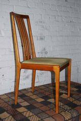 Einzelner LÜPKE Stuhl im Dänischen Design / Holzstuhl in Kirschbaum massiv