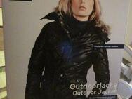 Gr. S /36: Winter-Jacke mit Kapuze, schwarz, TCM, wenig getragen